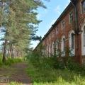 Аракчеевские казармы в селе Медведь (северная казарма)