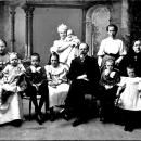 Фабрикант С.И. Сеньков с семьей (архивное фото)