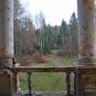 Заброшенный пансионат Полушкино, вид на парк с лоджии ризалита