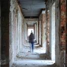 Заброшенный пансионат Полушкино, центральный коридор