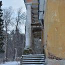 Усадьба Медное-Власово. Главный дом со стороны реки. Вид на портик