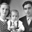 Калиш Николай Николаевич и Римма Борисовна с сыном Владимиром. 1957г.