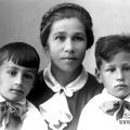 Калиш (Выставкина) Елизавета Васильевна с детьми