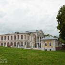 Усадьба Дубровицы, вид на дворец от храма
