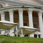 Усадьба Дубровицы, дворец со стороны реки