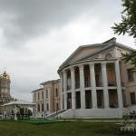 Усадьба Дубровицы, вид на дворец со стороны реки