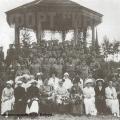 Фото офицеров форта Ино с женами, 1915 г.