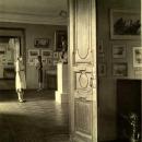 Карабиха. Экспозиция литературного отдела музея. Анфилада. Фото М.А. Величко, 1952 г.