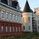 Красный Профинтерн, замок Понизовкиных