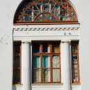 Усадьба Любвино главный дом, декоративное обрамление окана