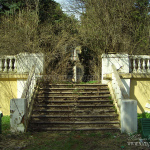 Усадьба Мамоново Гусева полоса, подпорная стенка. Фото Наталья Бондарева, 2006 г.
