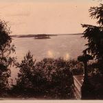Парк Монрепо. Вид на остров Любви со стороны острова Людвигштайн