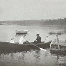 В.Д. Поленов в лодке на Оке, 1911 г.