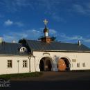 Снетогорский монастырь, Святые ворота