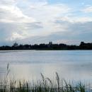 Вид на город Торопец с противоположного берега озера Соломено