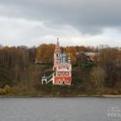 Казанская церковь на берегу Волги в Тутаеве