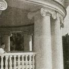 Усадьба Холомки. Главный дом, балкон 2-го этажа. Фото 1910-х гг.
