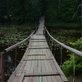 Усадьба Ивановское, Голубые озера, подвесной мост через р. Можицу