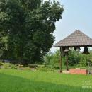 Усадьба Красное, церковный двор со звонницей