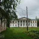 Главный дом в усадьбе Лунино