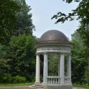 Усадьба Остафьево, беседка в парке