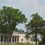 Усадьба Остафьево, колоннада и флигель