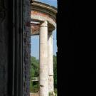 Усадьба Семеновское-Отрада, дворец, воздушная беседка в оконном проеме