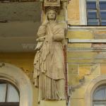 Усадьба Поречье, кариатида садового портика главного дома