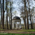 Усадьба Суханово, беседка в парке