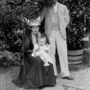 Александр Николаевич Граббе с женой Марией Николаевной Безак и сыном на курорте в Швальбахе 1895 г.
