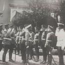 Александр Николаевич Граббе первый слева, через 3 человека - император Николай II