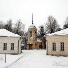 Усадьба Волынщина-Полуэктово, вид на церковь с парадного двора