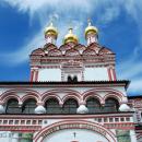 Иосифо-Волоцкий монастырь. Святые ворота с надвратной церковью Петра и Павла