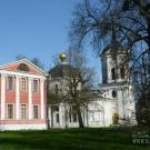 Усадьба Ярополец Гончаровых, главный дом со стороны парка и церковь