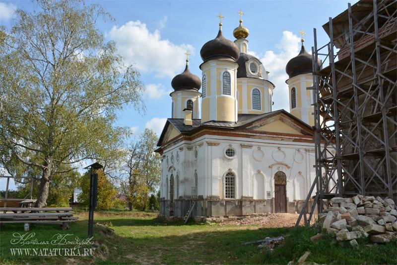 Церковь Спаса-Преображения в Спас-Косицах
