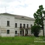 Усадьба Михайловское (Торопецкий район, Тверская область). Главный дом, вид со двора.