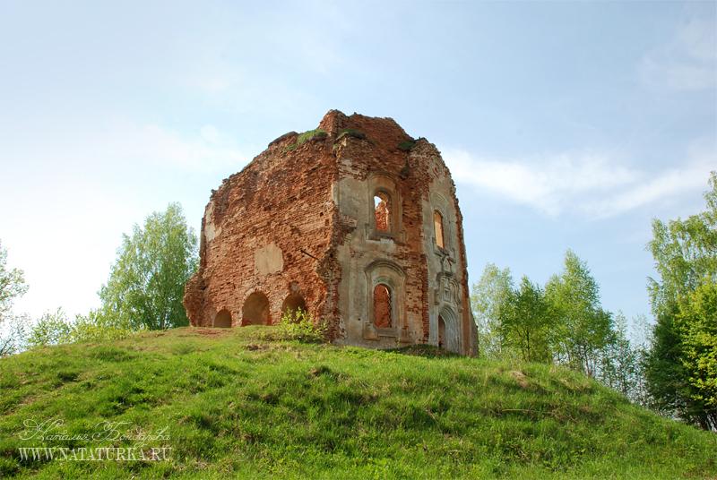 Усадьба Аполье, церковь