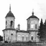 Воскресенская церковь (1701 г.) в усадьбе Воскресенское (Птичное)