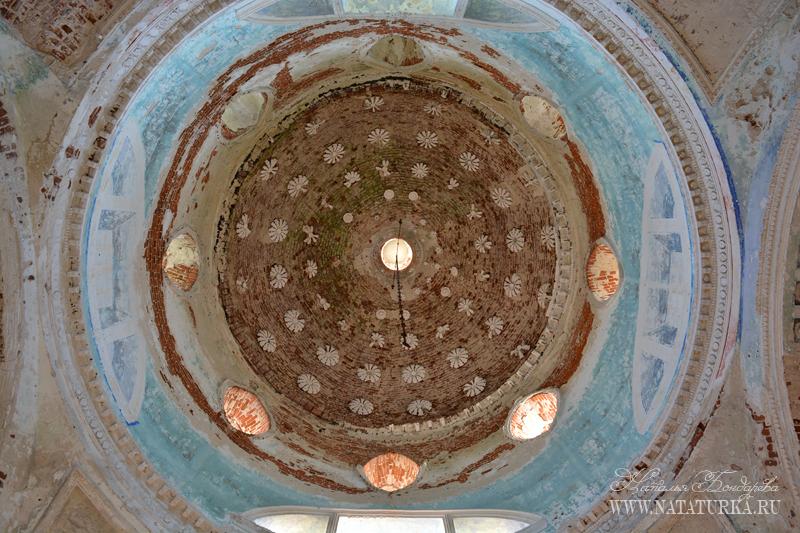 Успенская церковь в Пархачево