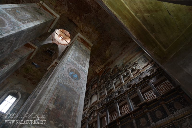 Троицкая церковь в Кое. Фрагмент интерьера