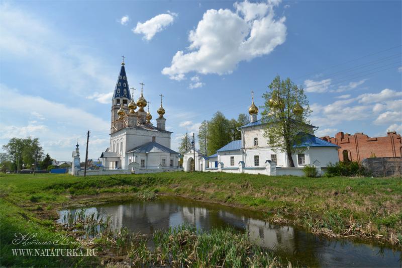 Казанская и Успенская церкви в Кузнецово (Успенско-Казанский монастырь)