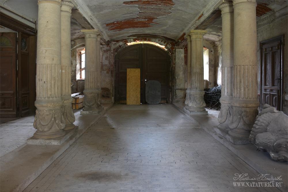 Замок Bożków в Польше